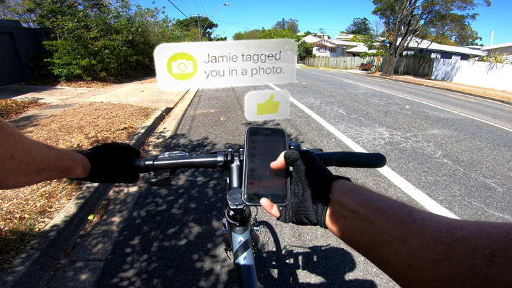 Bicycle rider sending message response while riding